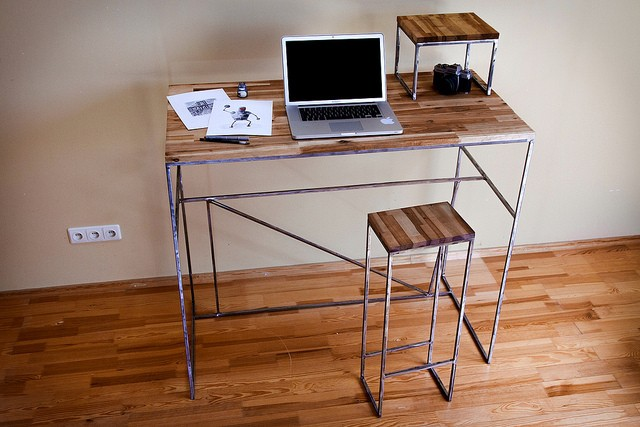 Stand Up Desks for ADHD Children and Adults
